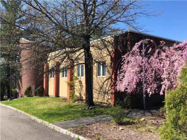 Studio,  0.00 BTH Commercial style home in Yorktown