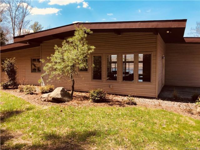 3 BR,  3.00 BTH Ranch style home in Thompson