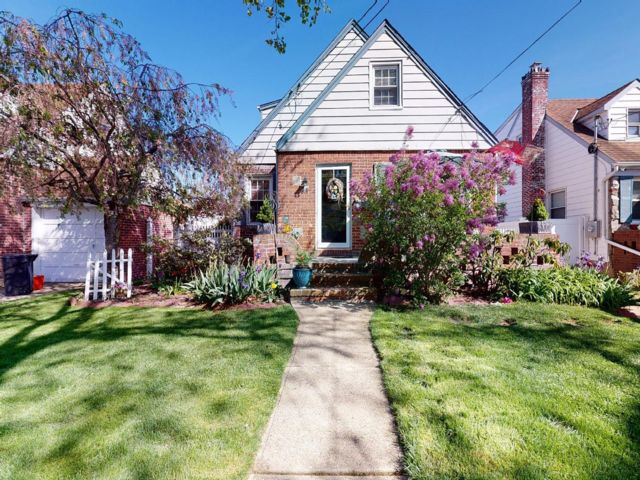 4 BR,  1.50 BTH 2 story style home in North Valley Stream