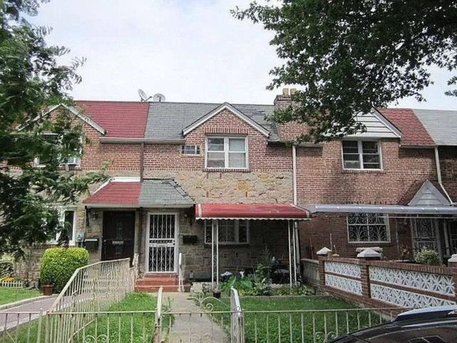 3 BR,  2.00 BTH Single family style home in Canarsie