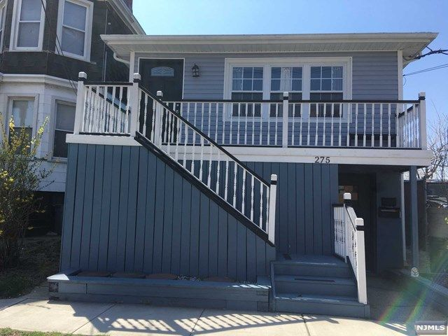 4 BR,  2.00 BTH 2 family style home in Secaucus