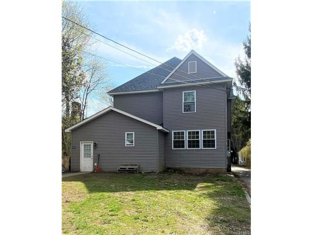 6 BR,  4.00 BTH 2 story style home in Fallsburg