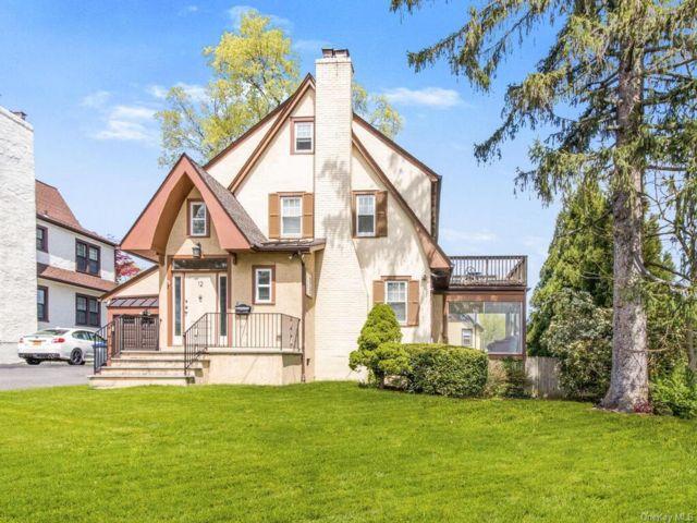 3 BR,  2.00 BTH Tudor style home in White Plains
