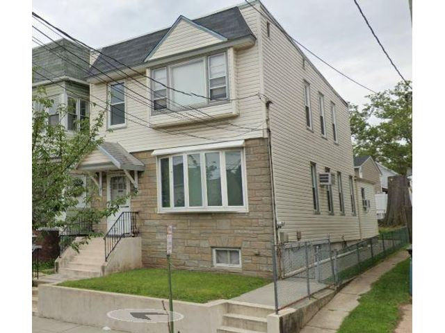 4 BR,  2.00 BTH Other style home in Kearny