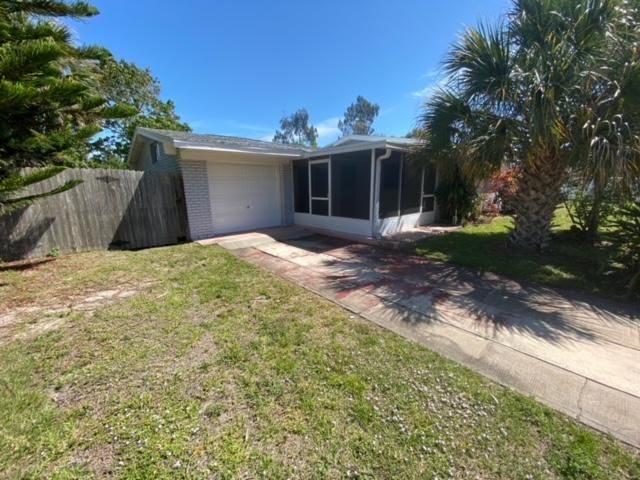 4 BR,  1.00 BTH  style home in Melbourne