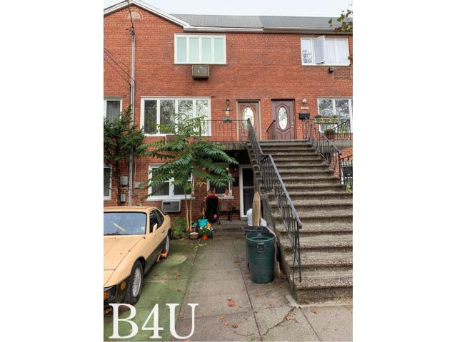 5 BR,  2.55 BTH 2 story style home in Bergen Beach