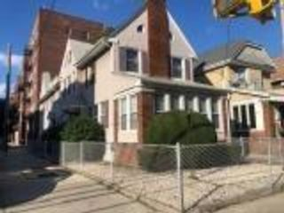 4 BR,  0.00 BTH Multi-family style home in Madison