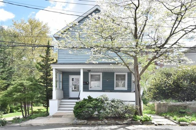 4 BR,  2.00 BTH  Other style home in Yonkers