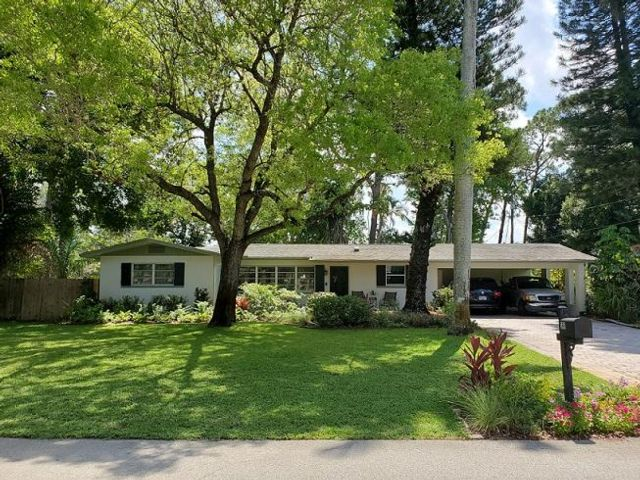 3 BR,  2.00 BTH Ranch style home in Fort Myers