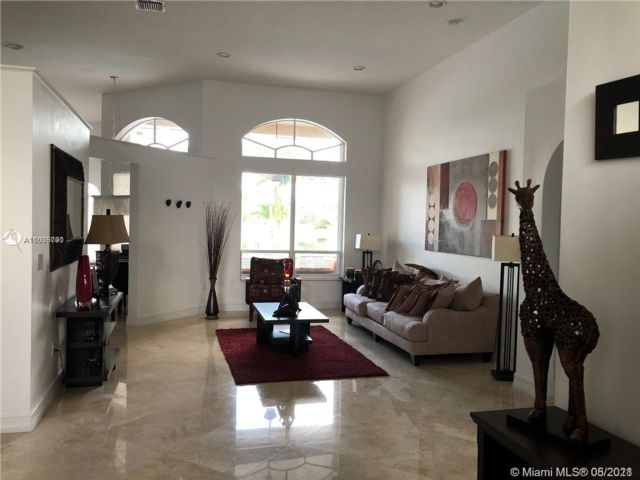 4 BR,  3.00 BTH  style home in Pembroke Pines