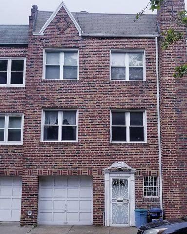 5 BR,  2.50 BTH Colonial style home in Bay Ridge