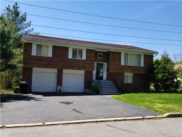 3 BR,  2.00 BTH  Raised ranch style home in Greenburgh