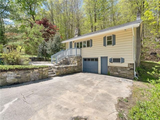 2 BR,  1.00 BTH Cottage style home in Pawling