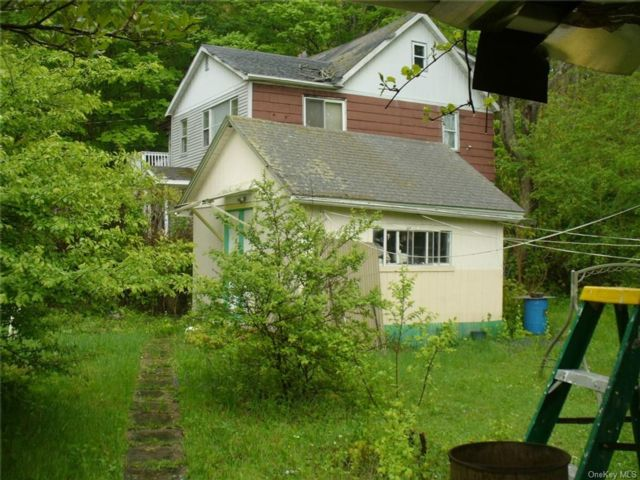 2 BR,  1.00 BTH Saltbox style home in Wawarsing