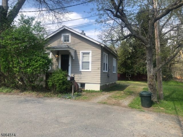2 BR,  1.00 BTH  Bungalow style home in Fairfield
