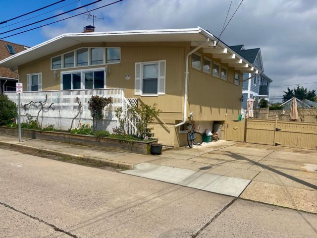 4 BR,  3.00 BTH Ranch style home in Point Lookout