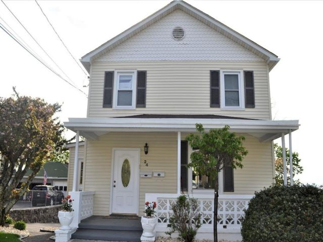 4 BR,  2.00 BTH Other style home in Crotonville