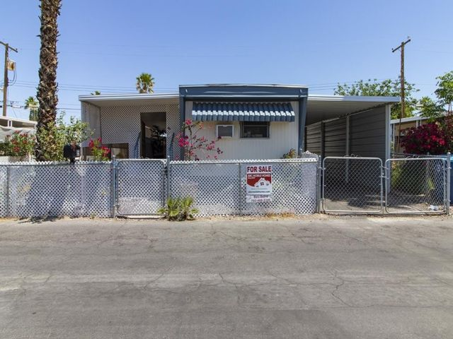 2 BR,  1.50 BTH Mobile home style home in Las Vegas