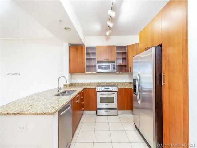 1 BR,  1.50 BTH  style home in Hallandale Beach