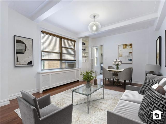 1 BR,  2.00 BTH  Co-op style home in Brooklyn Heights