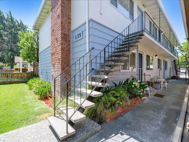 8 BR,  6.00 BTH 2 story style home in San Jose