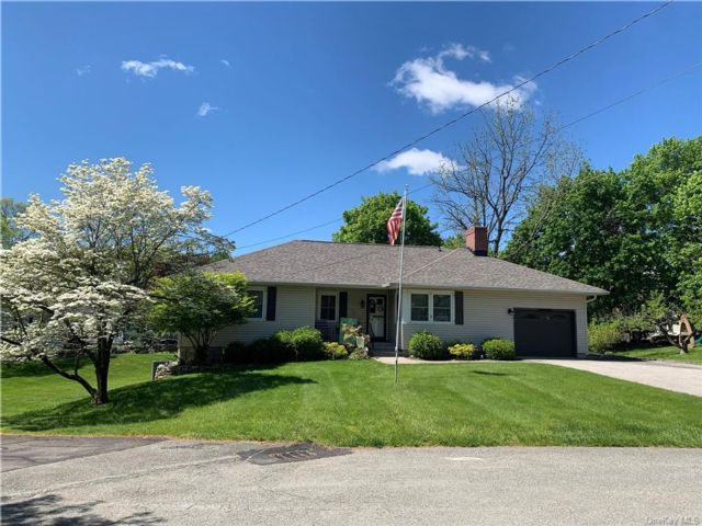 3 BR,  2.00 BTH Ranch style home in Cornwall