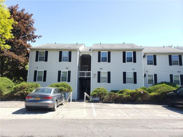 2 BR,  2.00 BTH Mid rise style home in Monroe