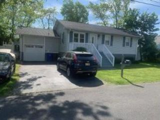 3 BR,  1.00 BTH Raised ranch style home in Toms River