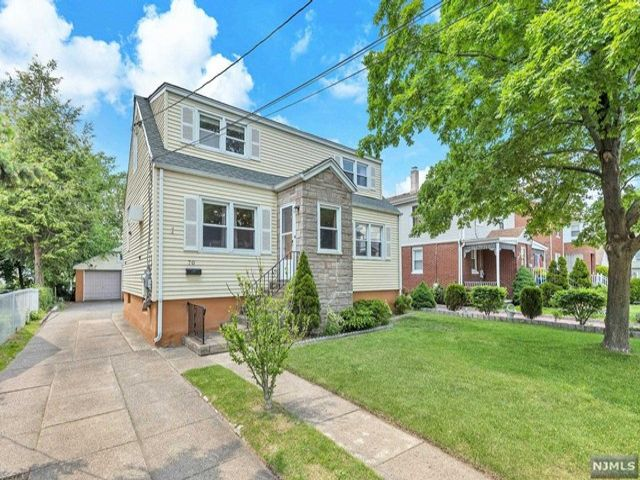 4 BR,  2.00 BTH Cape code style home in Ridgefield Park