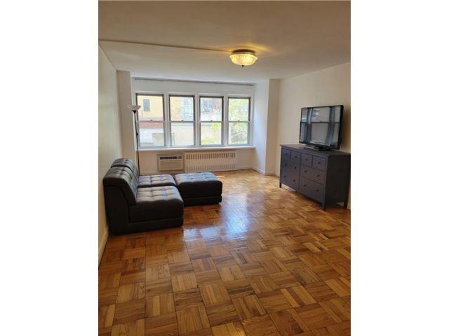 1 BR,  1.00 BTH Condominium style home in Murray Hill