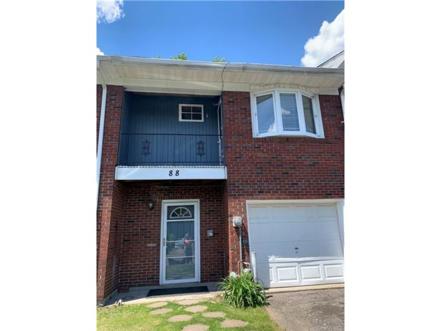 3 BR,  2.00 BTH Townhouse style home in New Windsor