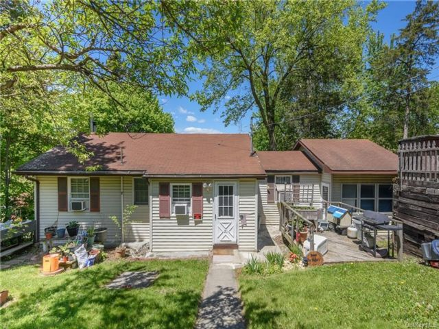 2 BR,  1.00 BTH Ranch style home in Blooming Grove