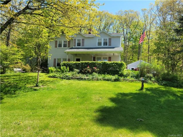 5 BR,  2.00 BTH Colonial style home in Wawarsing