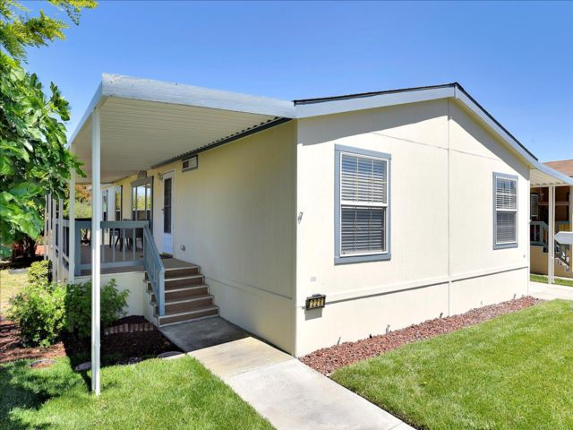 4 BR,  2.00 BTH Mobile home style home in San Jose