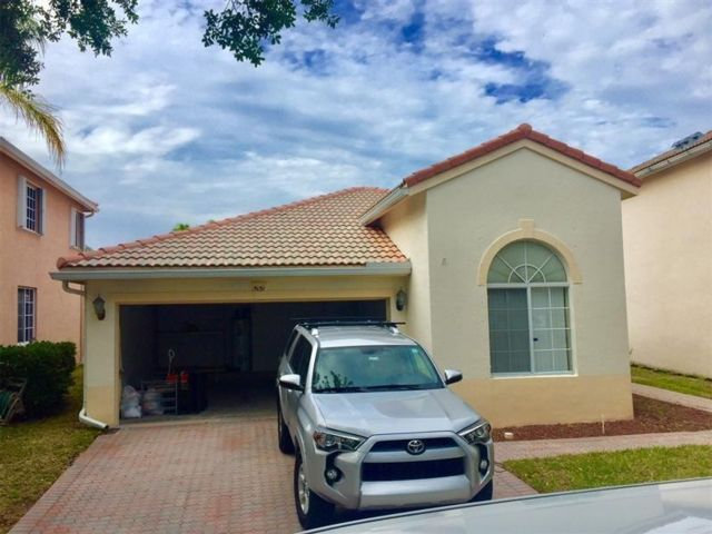 3 BR,  2.00 BTH  style home in Coconut Creek