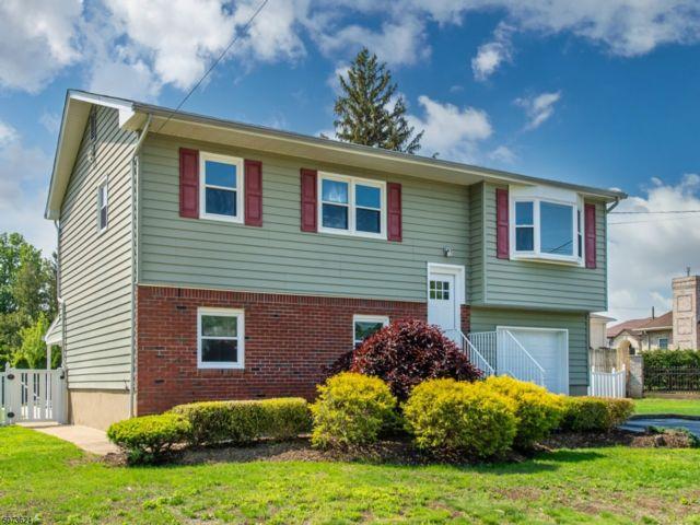 3 BR,  2.00 BTH Bi-level style home in Fairfield