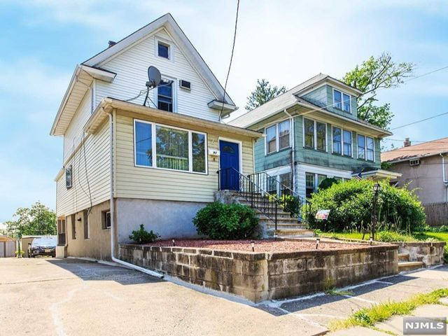 3 BR,  1.50 BTH Split level style home in Rutherford