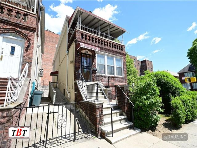 Studio,  4.00 BTH Multi-family style home in Midwood