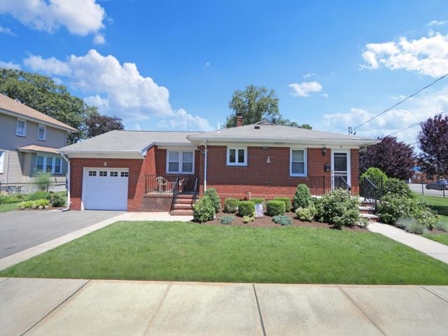 2 BR,  1.50 BTH Ranch style home in Bergenfield