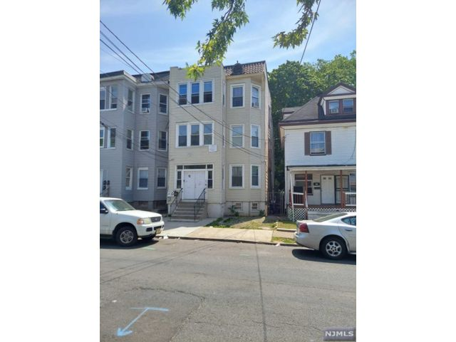 12 BR,  3.00 BTH Three family style home in Newark