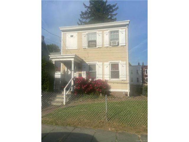 3 BR,  2.00 BTH 2 story style home in Mount Vernon