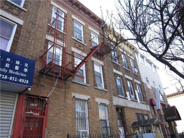 16 BR,  6.00 BTH Multi-family style home in Sunset Park