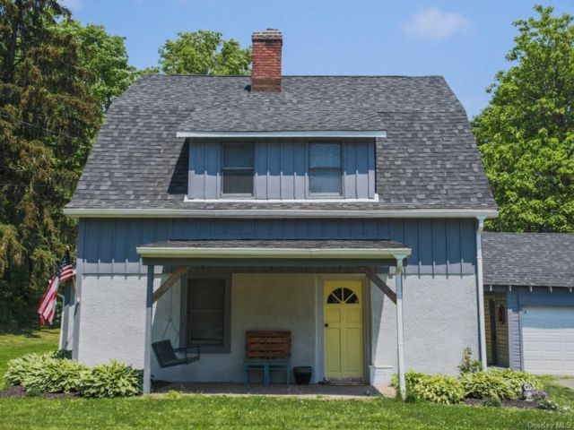 3 BR,  2.00 BTH Converted barn style home in Goshen