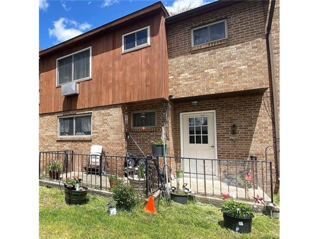 3 BR,  4.00 BTH Townhouse style home in Fallsburg