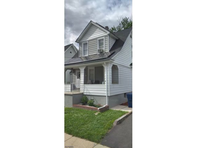 2 BR,  2.00 BTH Colonial style home in Hackensack