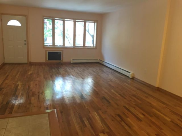 2 BR,  2.00 BTH Apartment style home in Bay Ridge