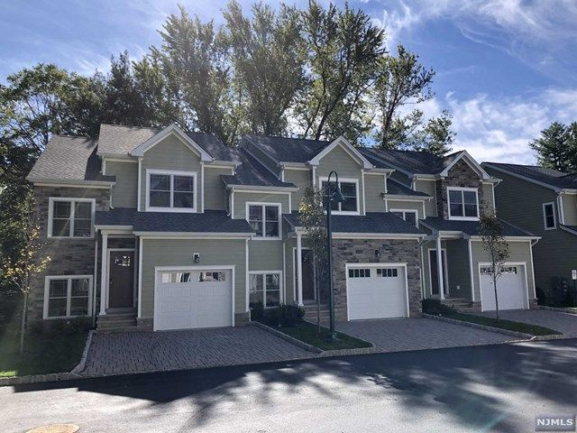 2 BR,  2.55 BTH Row style home in Montvale