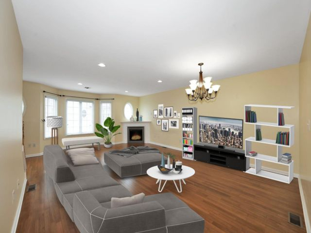 2 BR,  2.50 BTH Townhouse style home in Lyndhurst