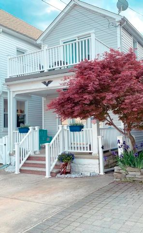 3 BR,  2.00 BTH 2 story style home in Belle Harbor