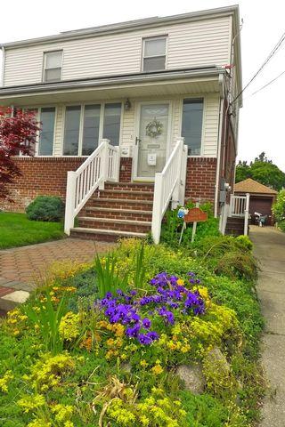 [Belle Harbor Real Estate, listing number 6992401]
